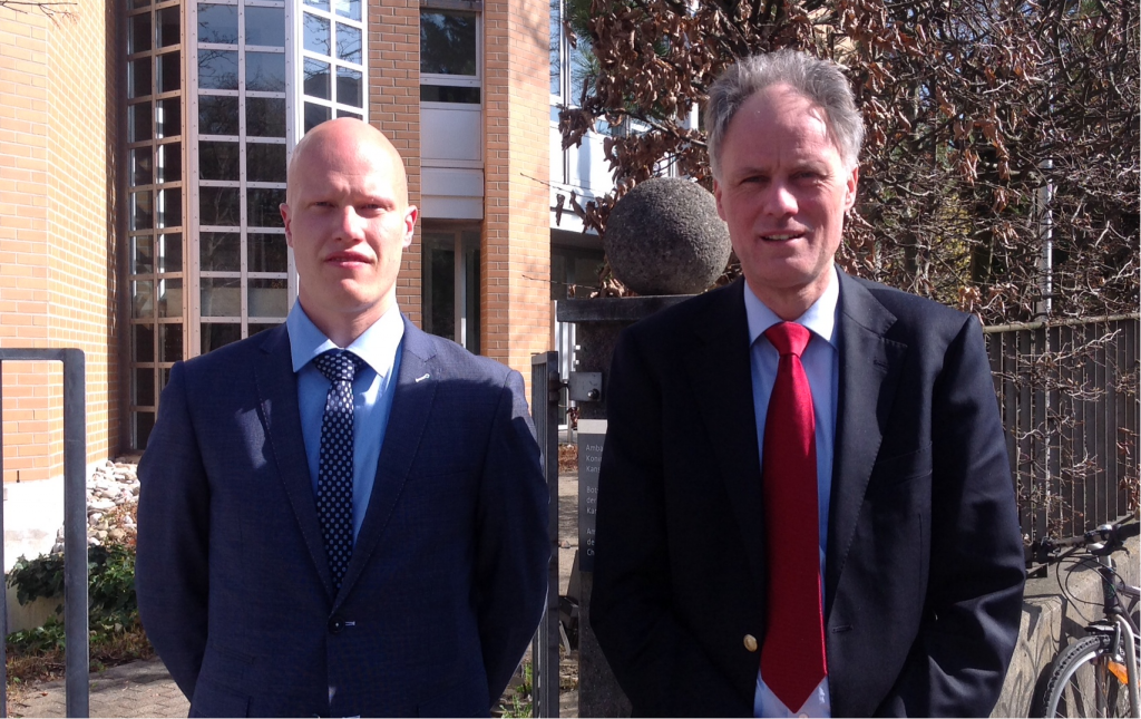 Innovation intern Frederik Deunk and Science & Technology Counsellor Eelco van der Eijk